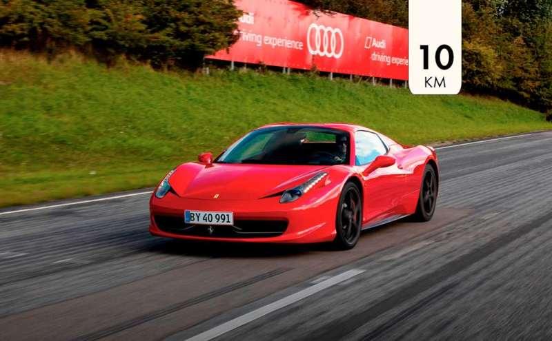 Ferrari, oplevelse Ferrari, oplevelses julegave, oplevelse gave, julegaven til ham