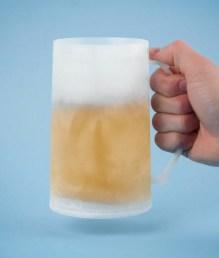 Kølekruset, nedkølet krus, krus der køler øl, krus der køler din drink, pakkeleg til 40 kr, pakkelegsgaver til 40 kr, gaver til 40 kr,