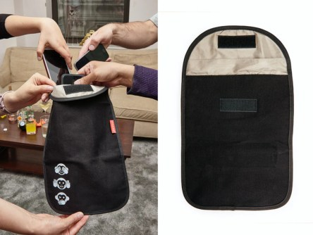 Telefonpose, pose til mobil telefoner, sjove gaver til pakkelegen, anderledes pakkelegsgaver, gaver itl max 70 kr, gaver til 70 kr, quality time mobilpose