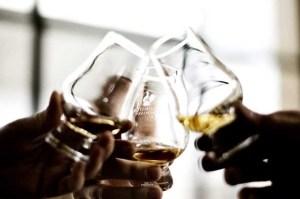 din-egen-whiskyflaske-1