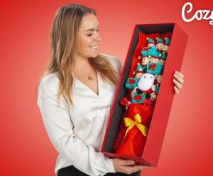 julebuket, røde gaver, buket med bamser, buket med nisser,sjove mandelgaver, mandelgaver, anderledes mandelgaver, mandelgaver til børn