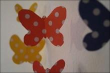 DIY Mobile, Mobile selber machen, Baby-Mobile selber machen, DIY Baby-Mobile, Schmetterlingsmobile, Mobile aus Schmetterlingen, Papierschmetterlinge selber machen, DIY Schmetterlinge aus Papier, Geschenke zur Geburt