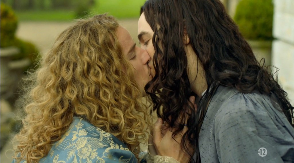 Versailles S2, episode 2 - the one in French (still) and with Liselotte