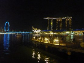 The Singapore Marina by night (photo credits: Rossana Santos)