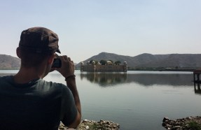 Verne takes a picture of Jal Mahal, the 'Water Palace' that sits in the middle of the Man Sagar Lake