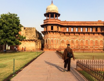 The Agra Fort shares many Mughal architectural characteristics with the Taj Mahal
