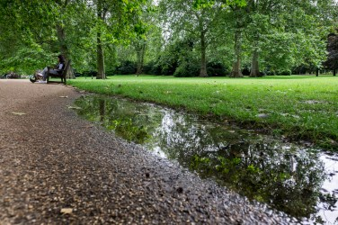 St. James' Park, London, UK (16mm, 1/140s, f5, ISO 200)