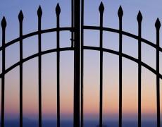 Twilight in Fira, Santorini (35mm, 1/100s, f2, ISO 200)