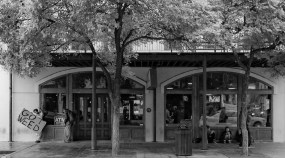 Sixth Street, Austin, Texas (16mm, 1/140s, f1.8, ISO 200)
