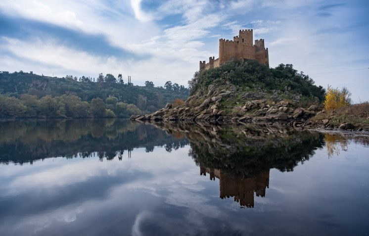 Almourol Castle, Portugal (18mm, 1/1700s, f4.5, ISO 200)