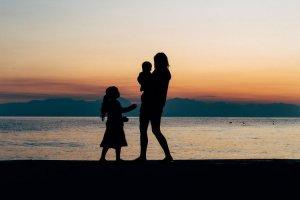 Mon and kids at beach