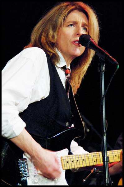 julia kasdorf live music performer