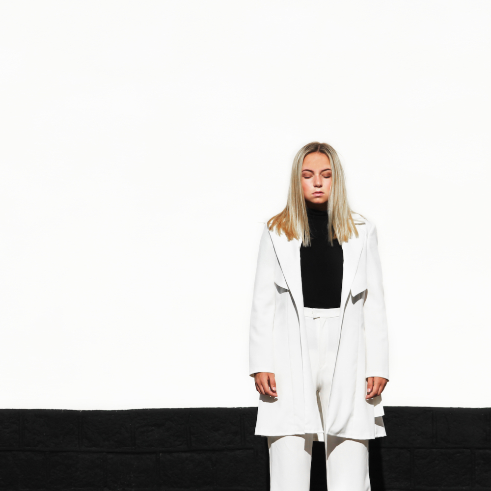 White trench look 1