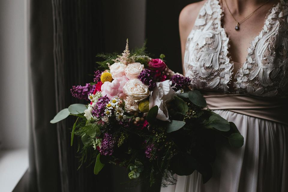 Omaha wedding; Florals by One & Only; photographed by Juliana Montane Photography