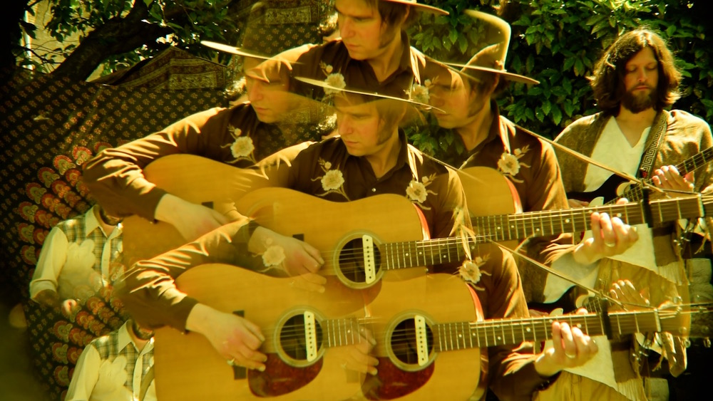 The Hanging Stars - Honey Water - Music Video - Julian Hand - Cosmic Folk - County - Rock - Summer - Bliss