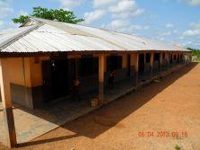 Das Grundschulgebäude.