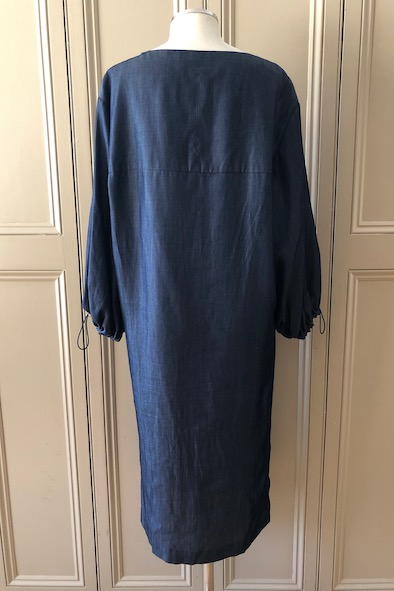 Amanda Wakeley blue lyocell dress with statement sleeves