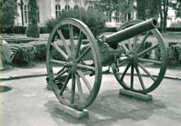 Old gun-Romania