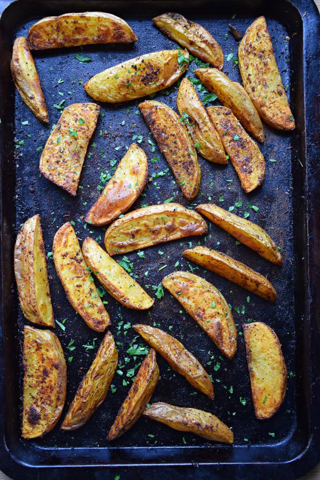 paprika potatoes on a baking tray