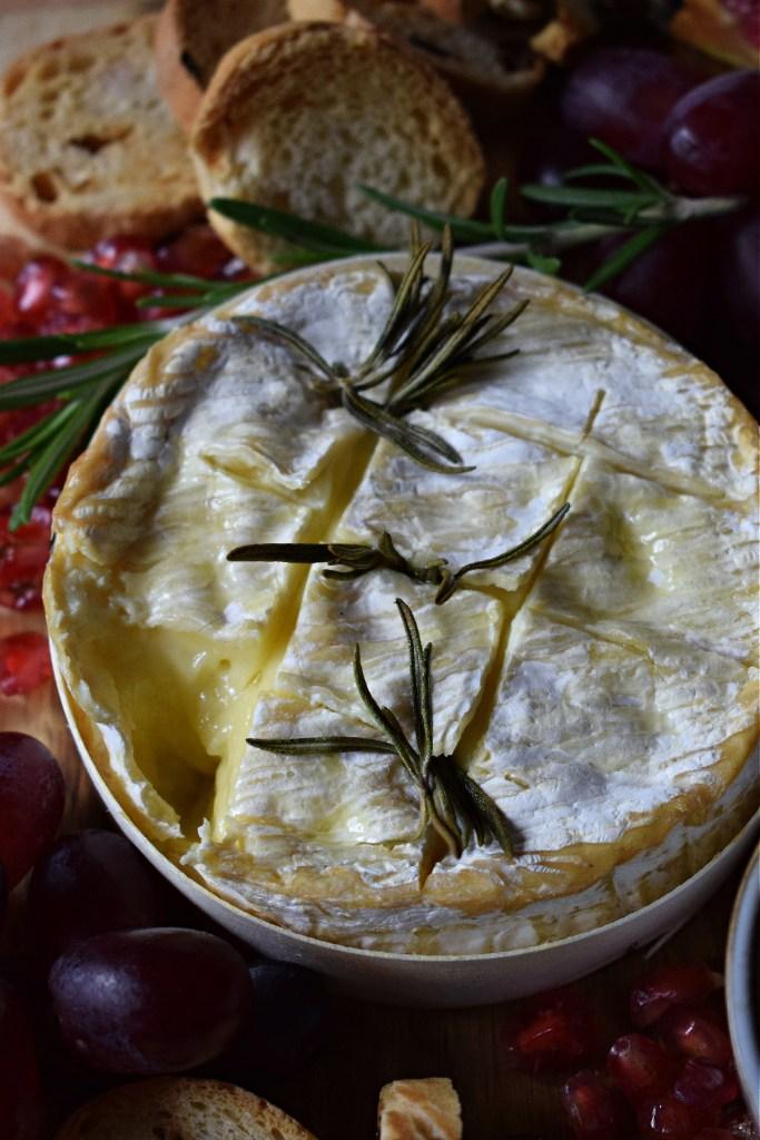 baked camembert rosemary