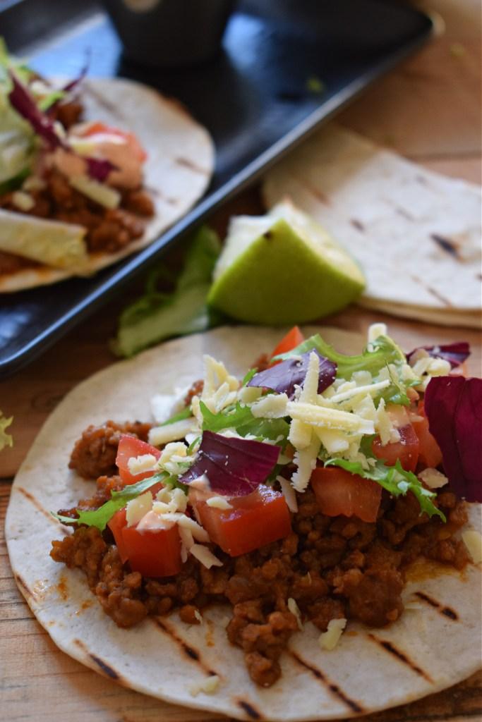 Pork tacos with sriracha mayo