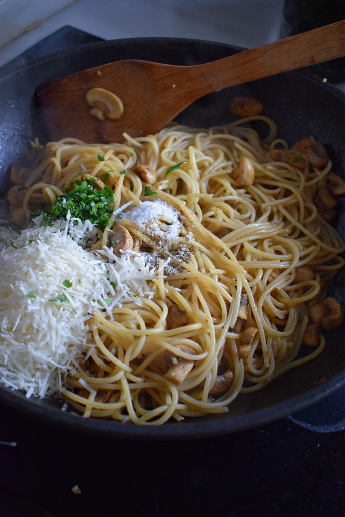 spaghetti with fresh parmesan and herbs