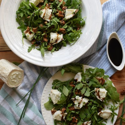 5 Minute Goat Cheese and Pecan Salad