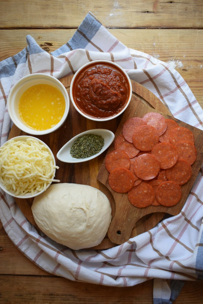ingredients to make the homemae pepperoni calzones