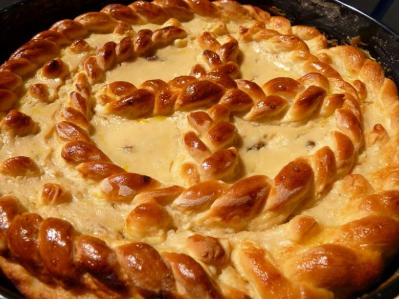romanian easter traditions pasca traditional food