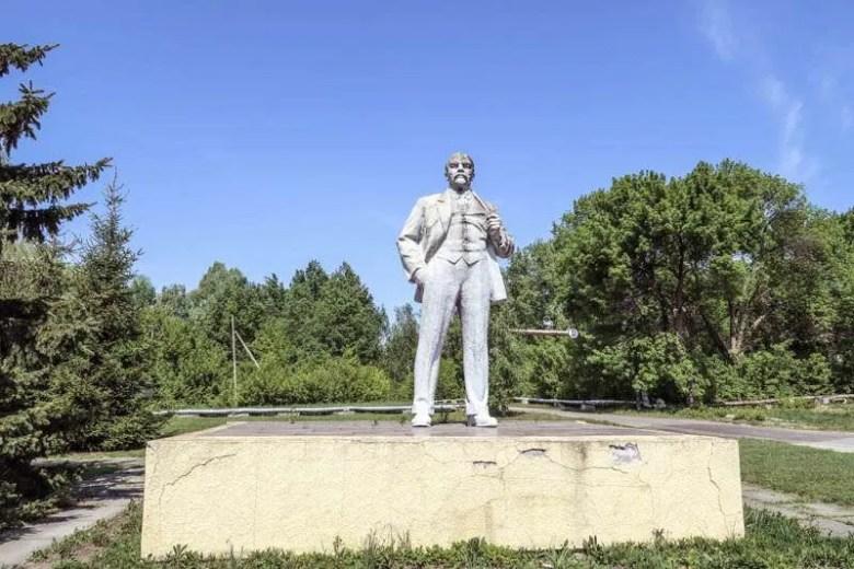 visit Chernobyl city lenin statue in ukraine