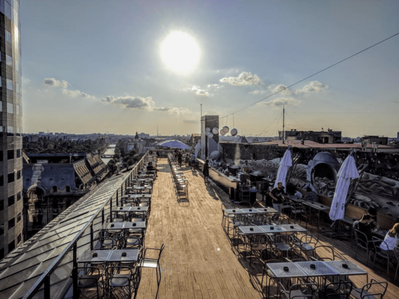 Restaurants and bars from where you to see Bucharest from above linea - closer to the moon