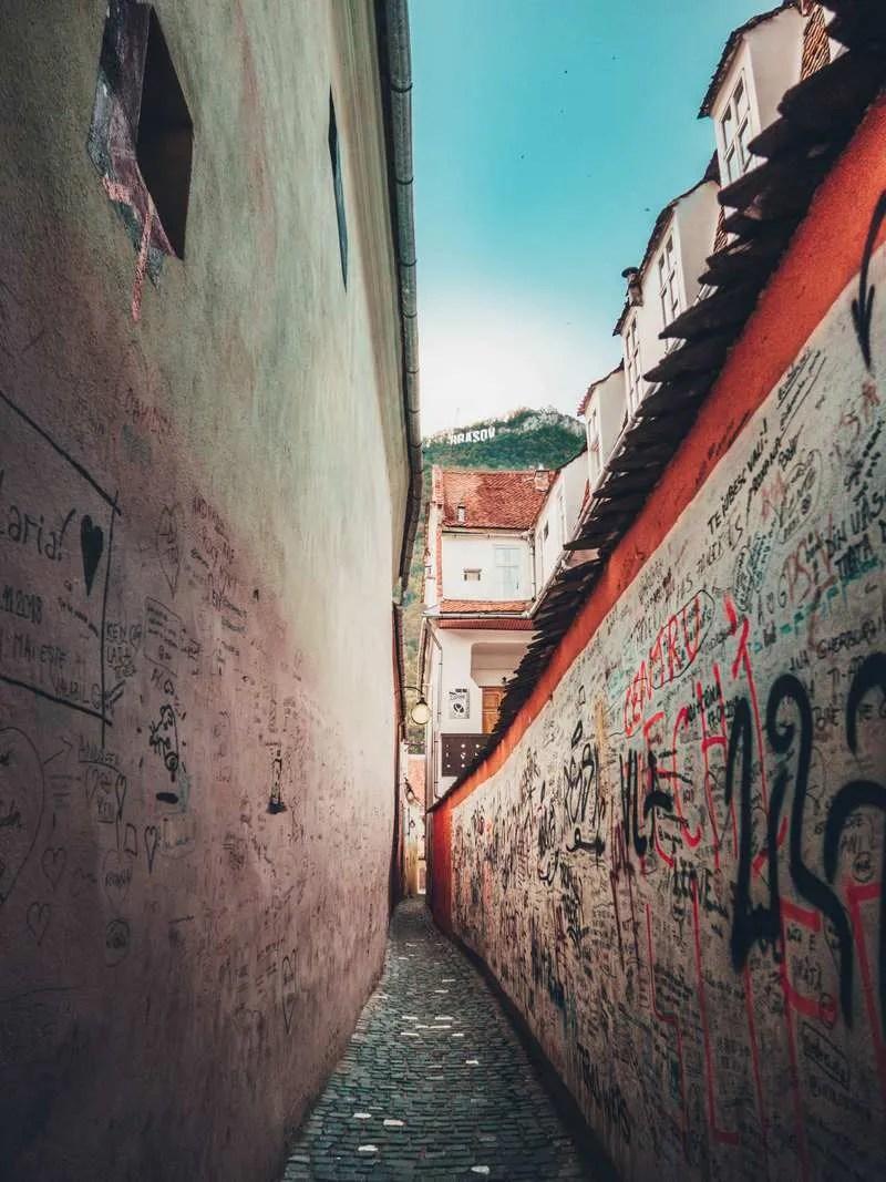 Strada Sforii (Rope Street) Top 11 things to do in Brasov, Romania
