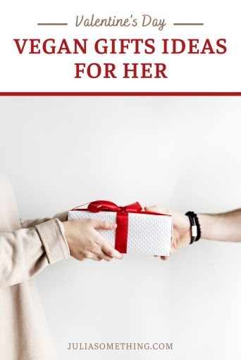 Looking for vegan Valentine's gifts ideas? Look no further. I've done all the research for you and I am pleased to say that I found all the cute and original Valentine's Day gifts for your vegan girlfriend.