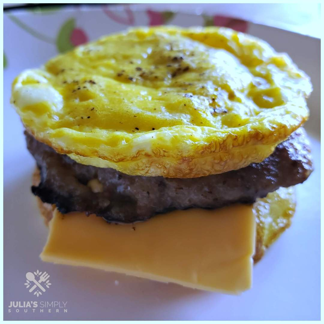 Delicious Low Carb Breakfast Recipes - Muffin style breakfast sandwiches