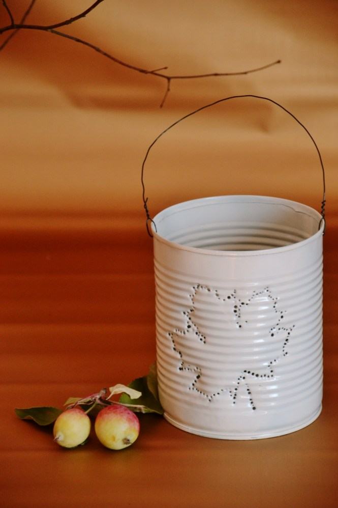 DIY Dosenlatere Konserven upcycling Dosenlicht, Konservenlaterne herbstblatt diy, herbst diy (4)