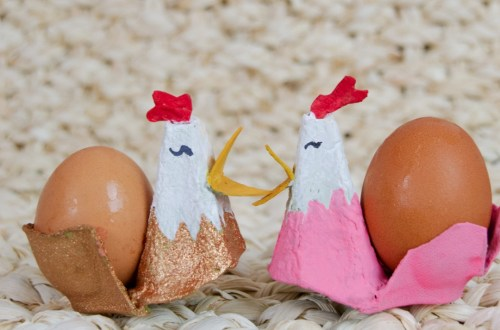 Eierbecher basteln für Ostern Upcycling Idee für Eierschachteln - DIY Eierbecher Huhn basteln für Ostern mit Kinder
