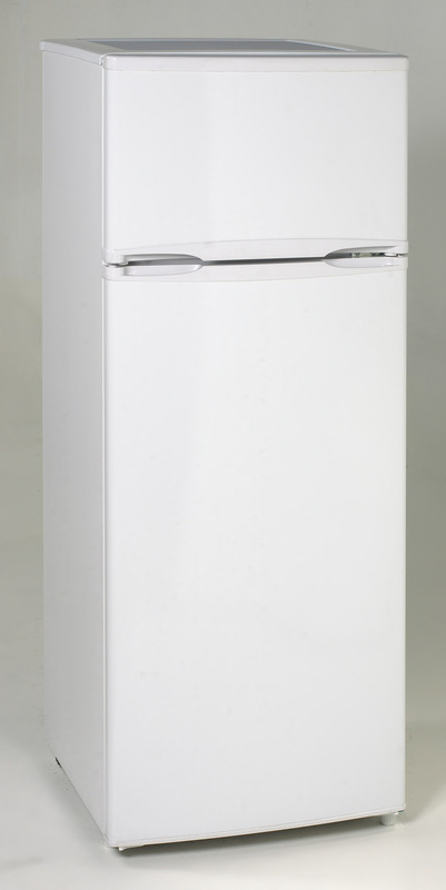 Avanti Apartment size 7.4 CF Refrigerator RA7306WT