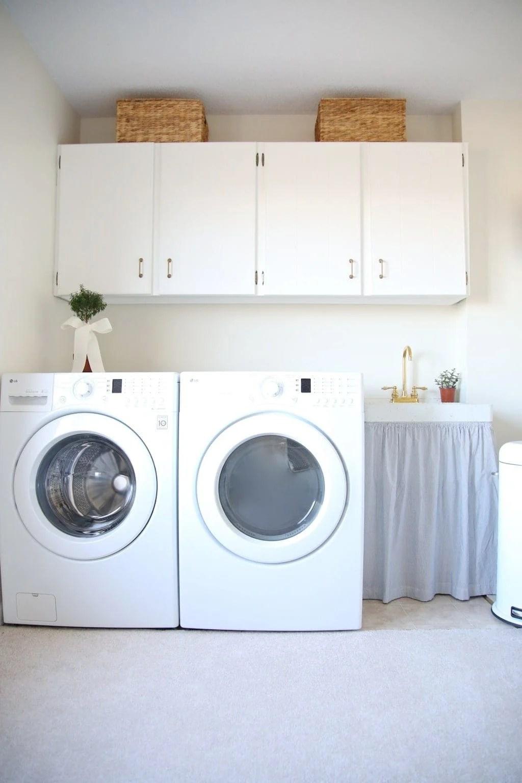 Laundry Room Decor on Laundry Cabinets Ideas  id=54526