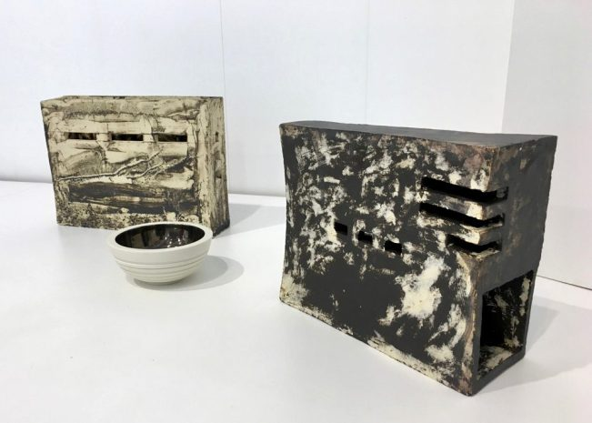 Shades of Clay exhibition at Kunsthuis