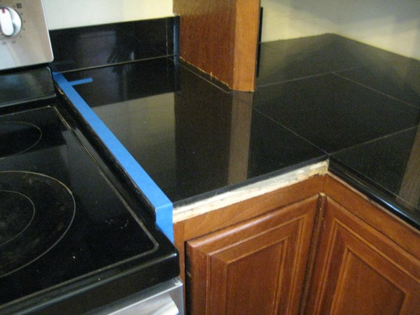 See the pencil trim over on the right? No room for it near the stove.