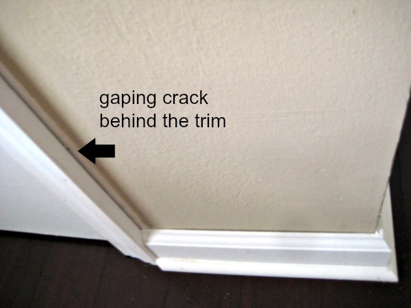 trim caulking DIY