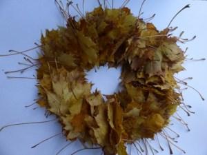 DIY autumn door wreath