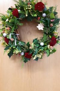Christmas door wreath bows