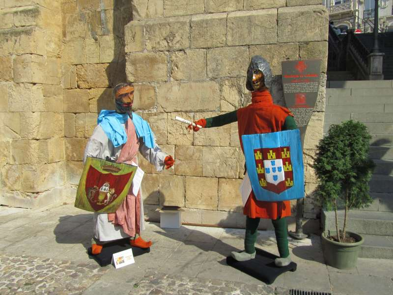 Scarecrows illustrate the history of Coimbra