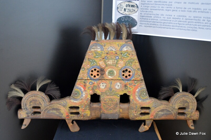 Decorative yoke from Ovar, on display at the Palace hotel in Buçaco
