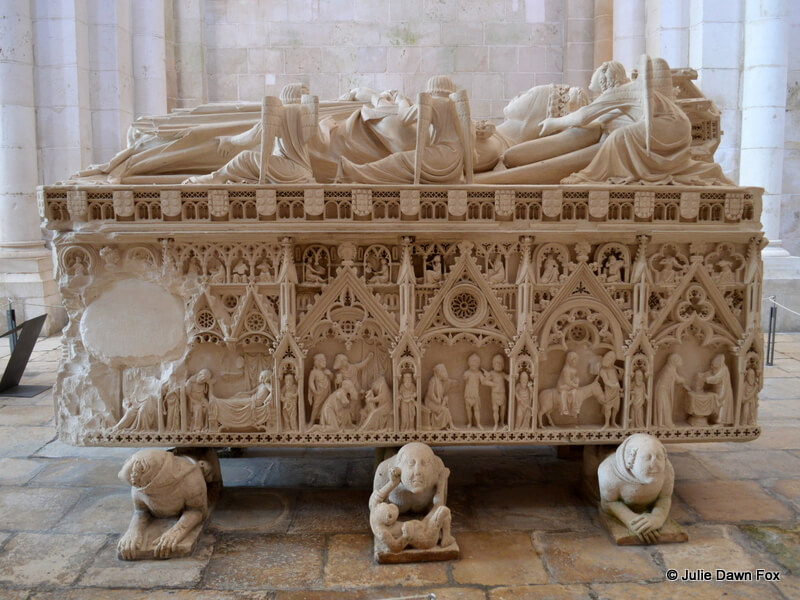Inês' tomb, Alcobaça monastery