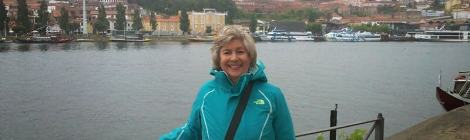 Carolyn Miller on Dom Luís bridge, Porto © Terry Borst