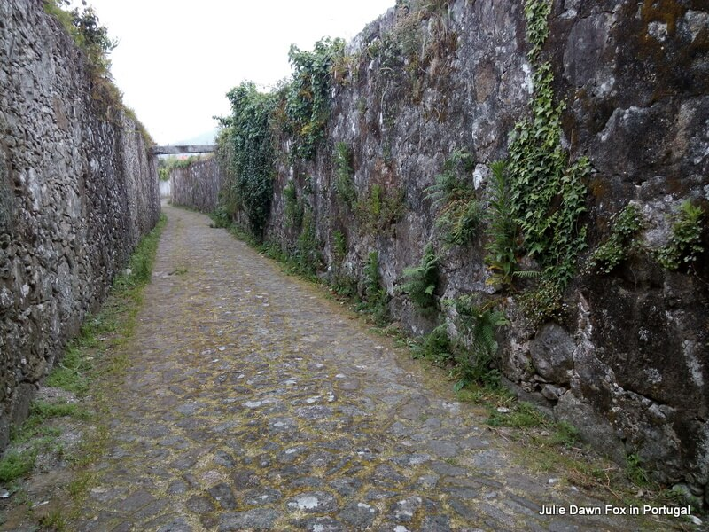 Horribly high walls in the villages around Viana do Castelo