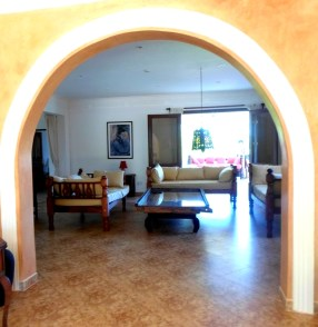 sitting room through arch-001