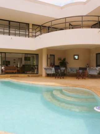 pool to verandah house